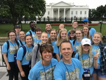 2018 Oregon Youth Tour group in front of the White House